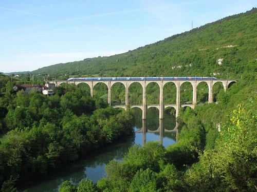 Viaduc de Cize-Bolozon dans l'Ain