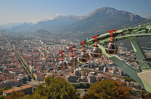 Vue panoramique depuis le téléphérique de Grenoble