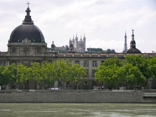 Hôtel Dieu et Basilique de Fourvière à Lyon