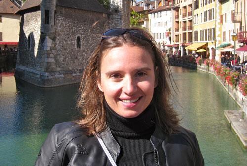 Portrait de Laëtitia Chauffeur VSL des Taxis Rhônalpins